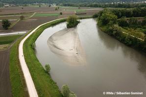 Vue aérienne de l'Isère au niveau de l'ancien bras mort de Meylan et de la courbe de Grangeage