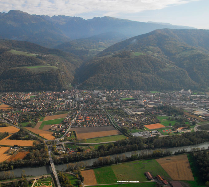 Crolles la vall e de l 39 is re sites risques vue for Piscine de crolles