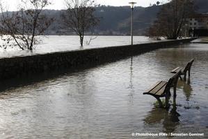 Crue du Rhône à Condrieu le 24 janvier 2018