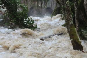 Crue du ruisseau de Jonier sur la commune du Gua