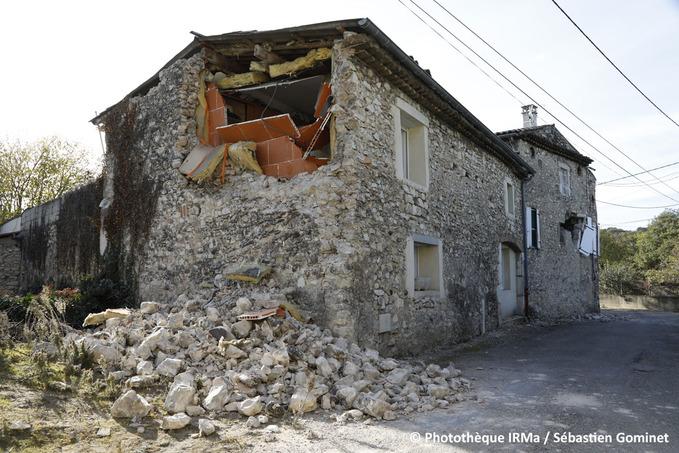 Séisme du Teil - habitation endommagée à La Rouvière.