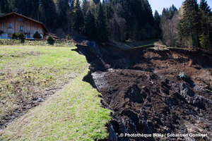 Glissement de terrain � Samo�ns (74)